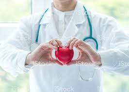 Medici specialisti in spitale de stat si private Franta